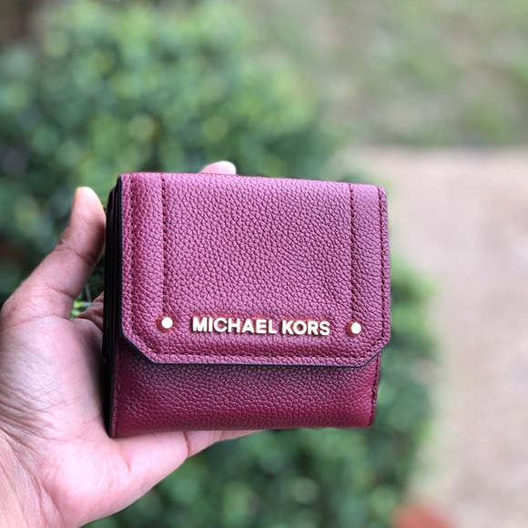 aa86422b002d Michael Kors Bags | Nwt Hayes Leather Med Trifold Wallet | Poshmark